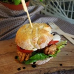 {Herzhaft} Burger-Time: Hähnchen mit Tomate Mozzarella