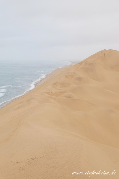 20Namibia-Ozean-an-der-Düne