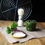Gewürzmischung - Paste-mit-Basilikum-und-Knoblauch-konserviert