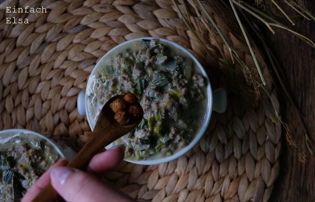 Hack-Suppe-mit-Käse-und-Lauch