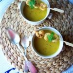 {Herzhaft} Kürbissuppe mit Zitrone und Muskatnuss