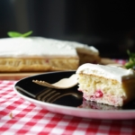 Kuchen-mit-Johannisbeerkuchen